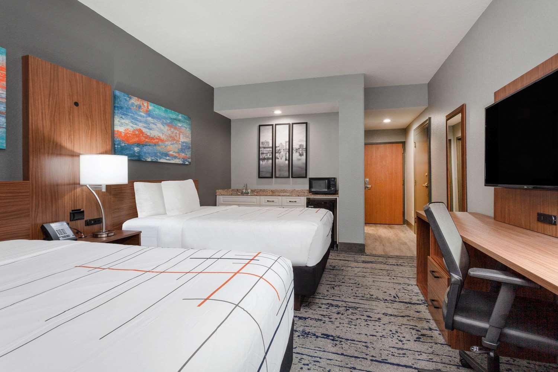 Suite - La Quinta Inn & Suites St Petersburg
