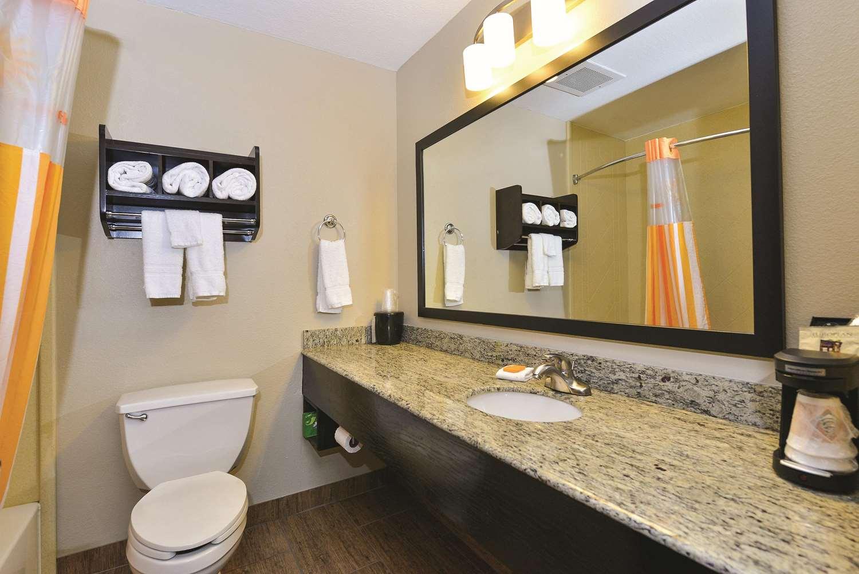 Room - La Quinta Inn & Suites Greenwood