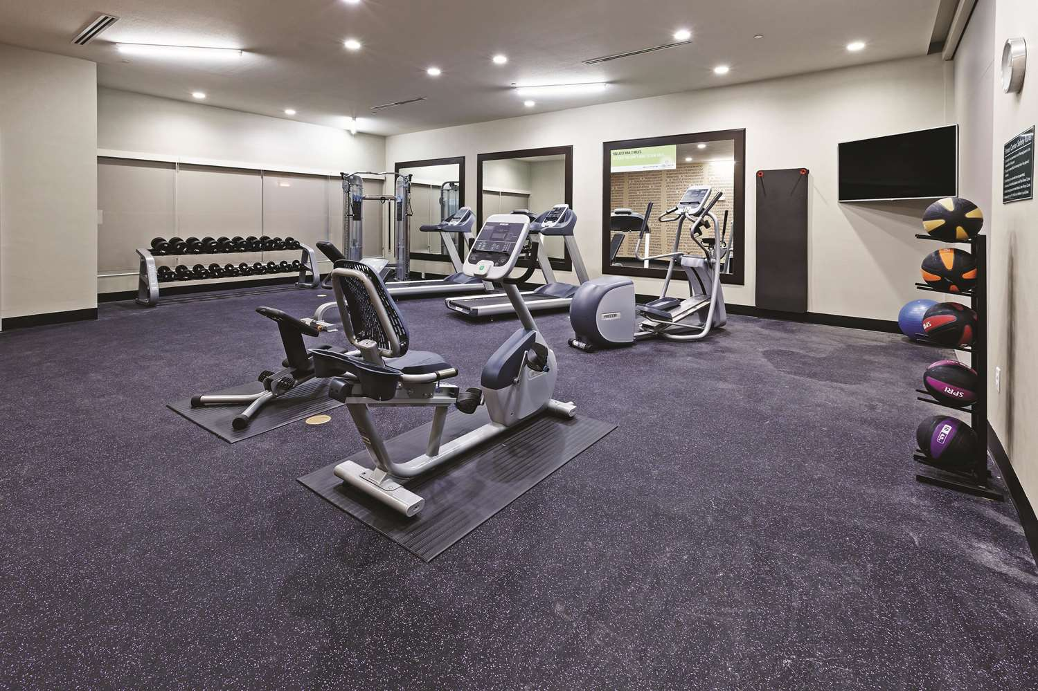 Fitness/ Exercise Room - La Quinta Inn & Suites South College Station
