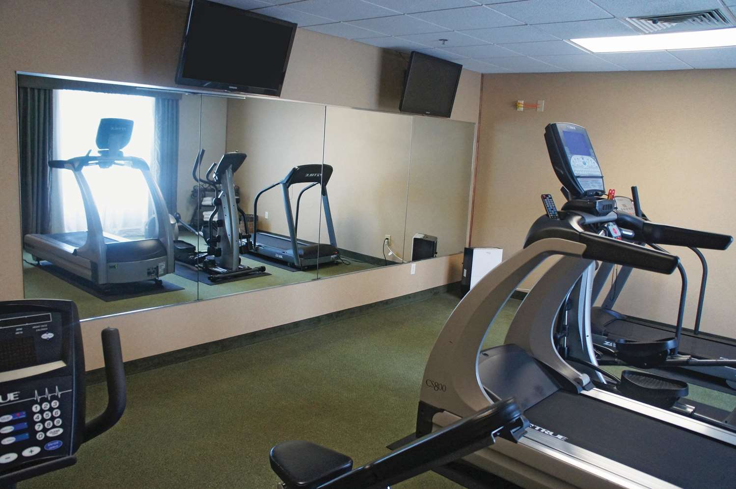 Fitness/ Exercise Room - La Quinta Inn & Suites SGF Airport Springfield