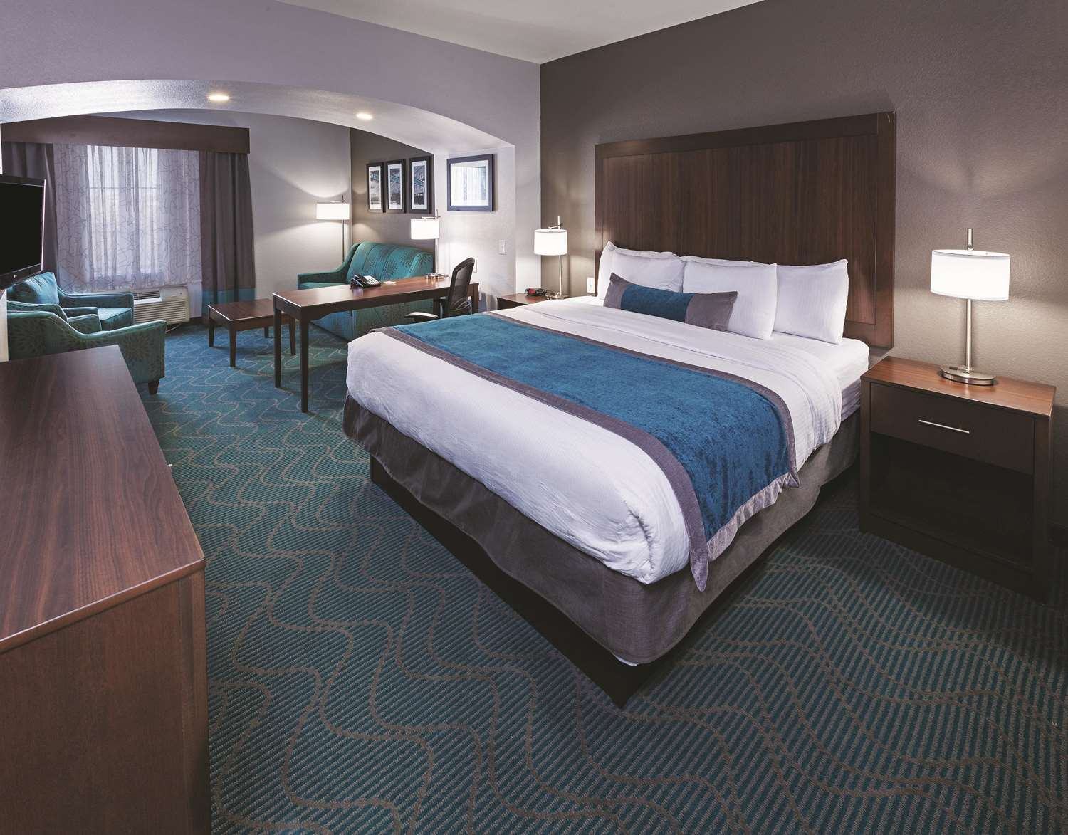 Room - La Quinta Inn & Suites Eastchase Fort Worth