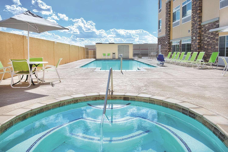 Pool - La Quinta Inn & Suites Monahans