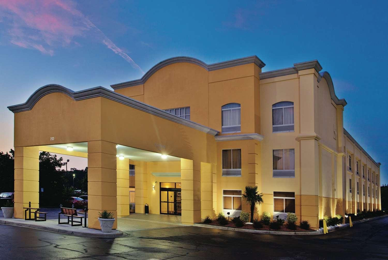 Exterior view - La Quinta Inn & Suites Florence