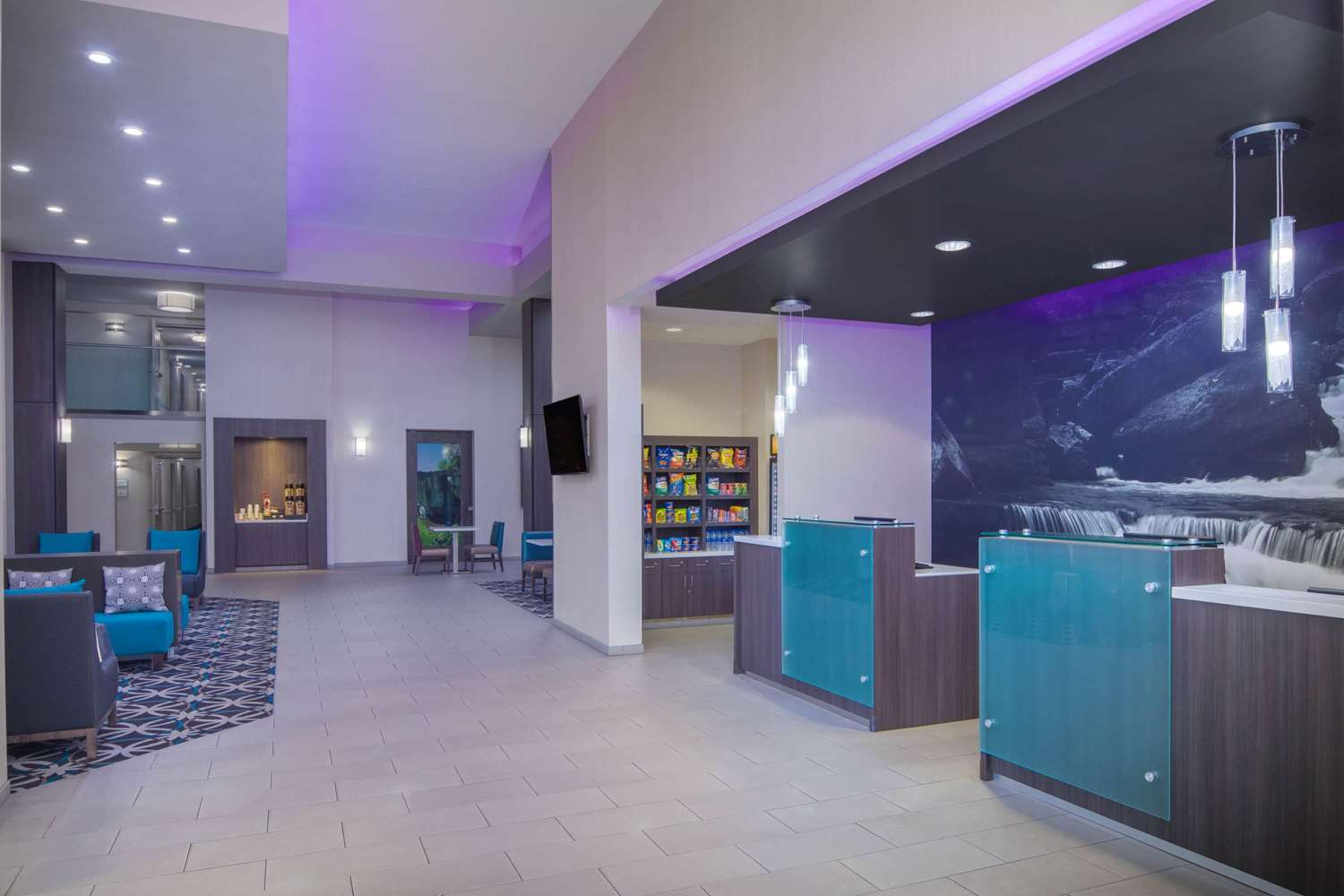 Lobby - La Quinta Inn & Suites East Ridge