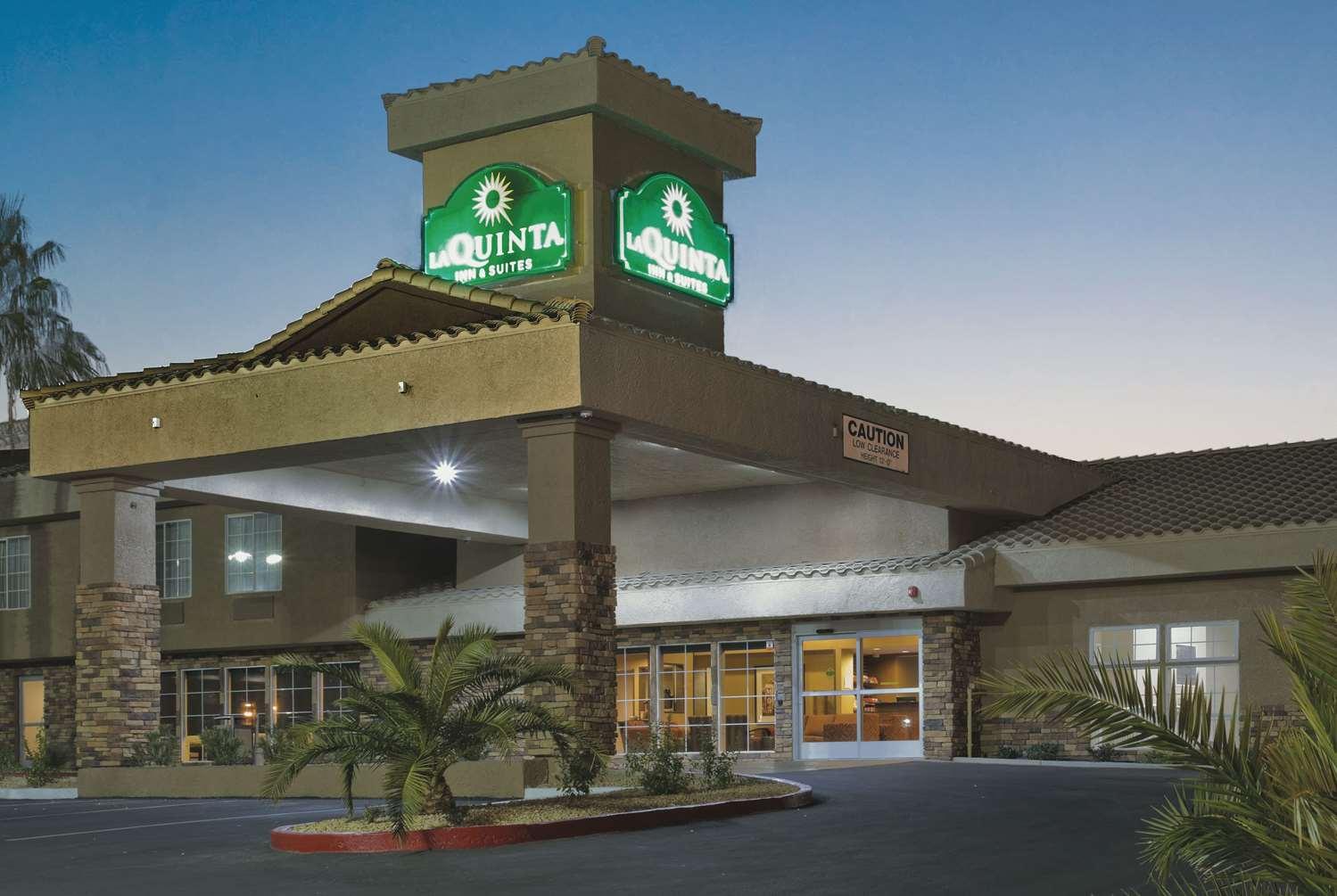 Exterior view - La Quinta Inn & Suites Tropicana Las Vegas