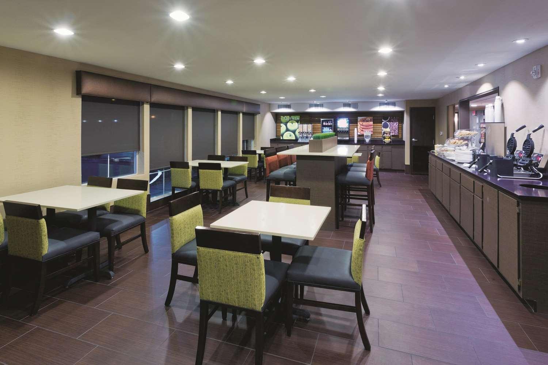 proam - La Quinta Inn & Suites Tropicana Las Vegas