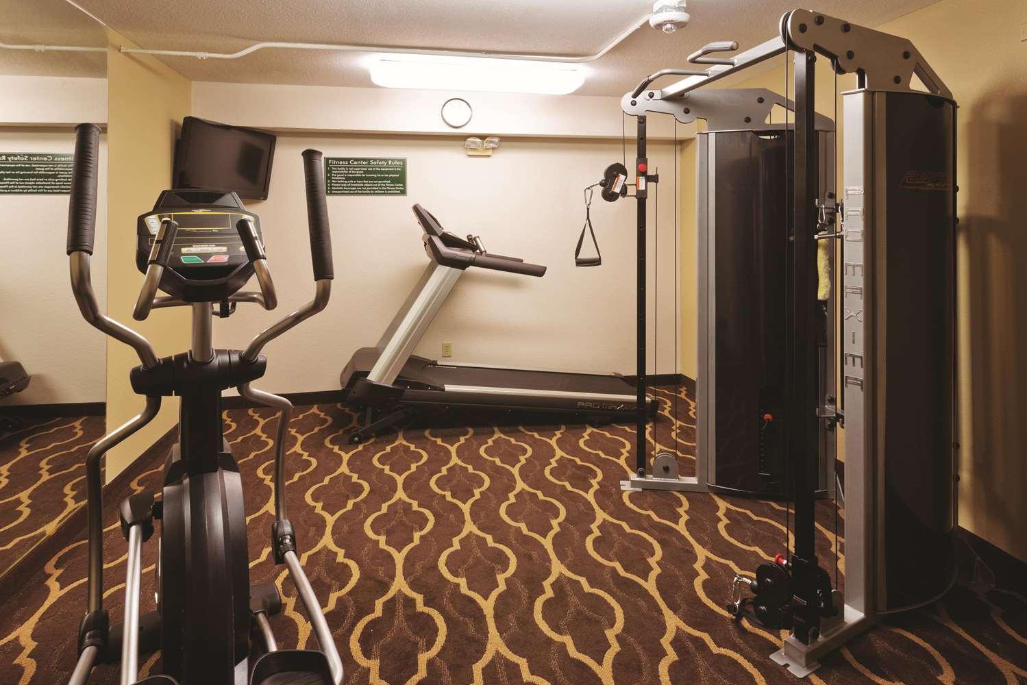 Fitness/ Exercise Room - La Quinta Inn & Suites Tropicana Las Vegas