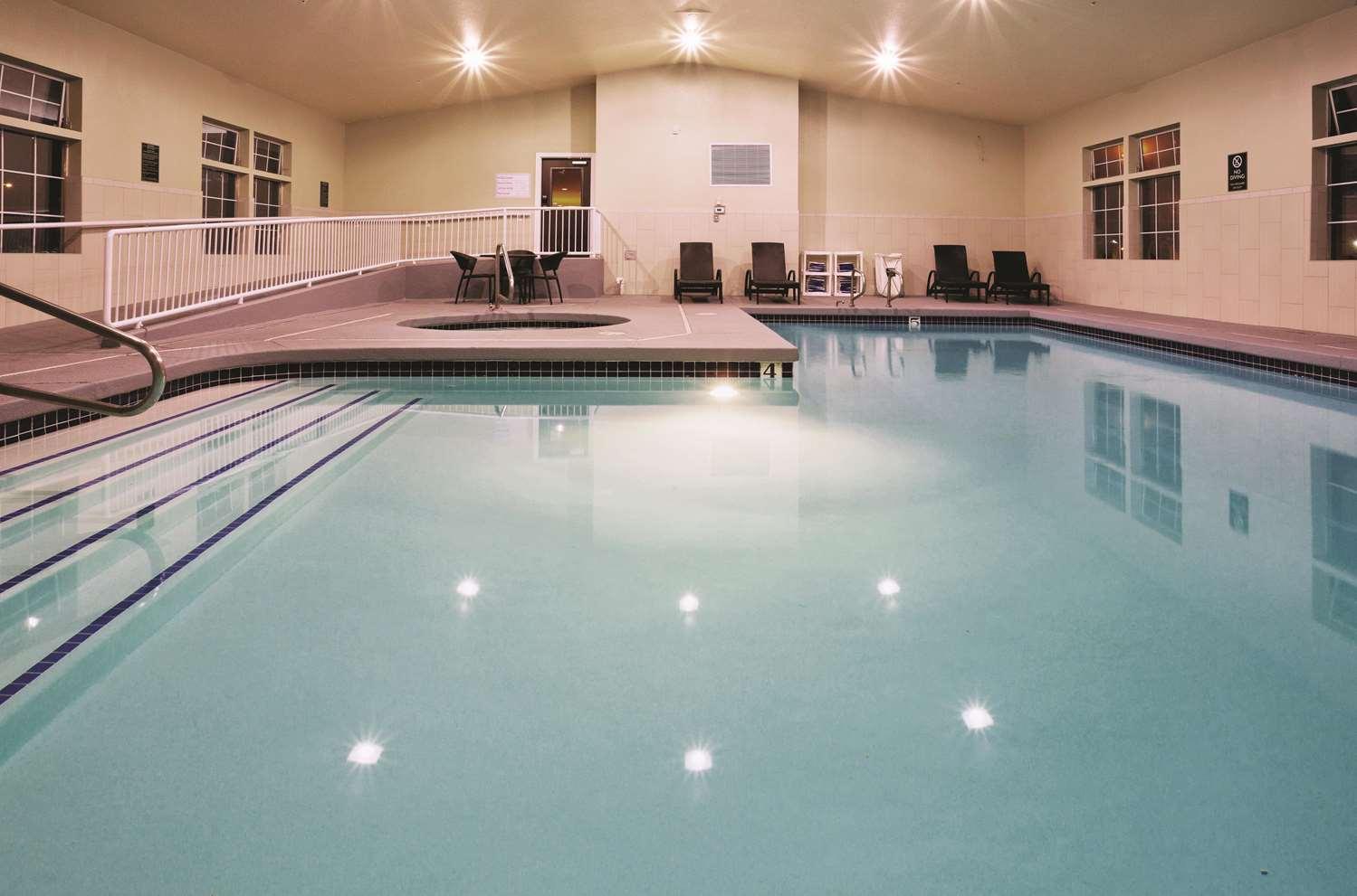 Pool - La Quinta Inn & Suites Tropicana Las Vegas
