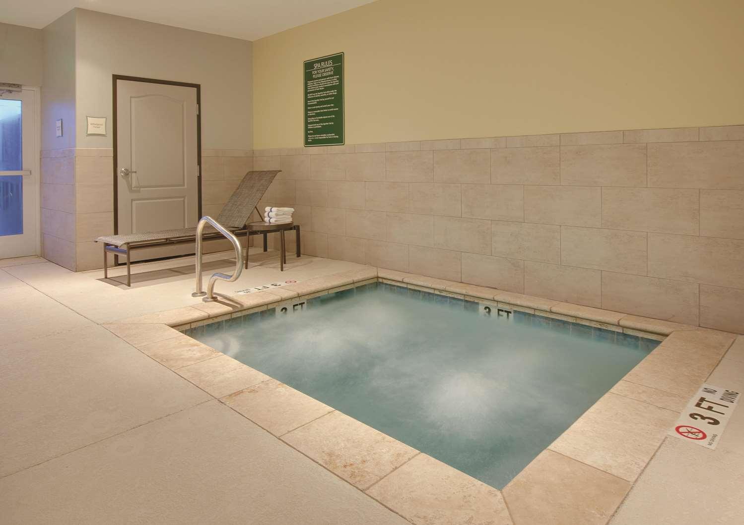 Pool - La Quinta Inn & Suites Andrews