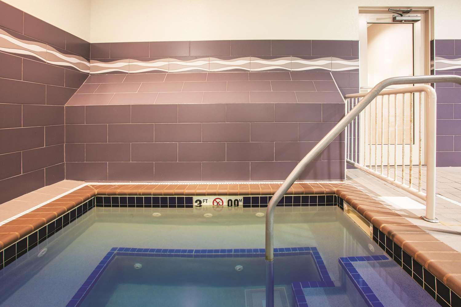 Pool - La Quinta Inn & Suites Duluth