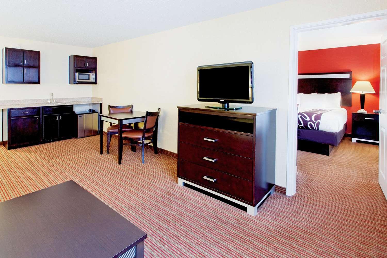 Suite - La Quinta Inn & Suites Warner Robins