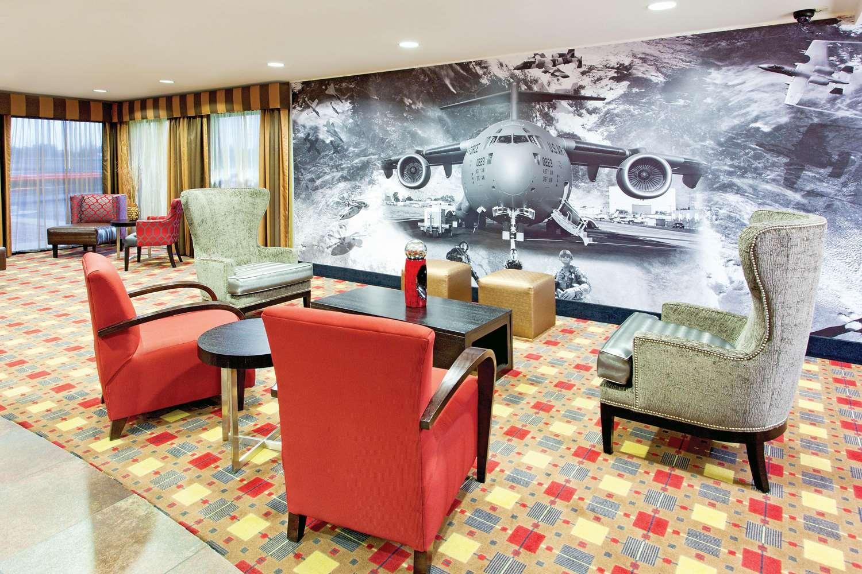 Lobby - La Quinta Inn & Suites Warner Robins