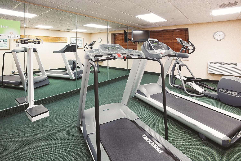 Fitness/ Exercise Room - La Quinta Inn & Suites Minnetonka