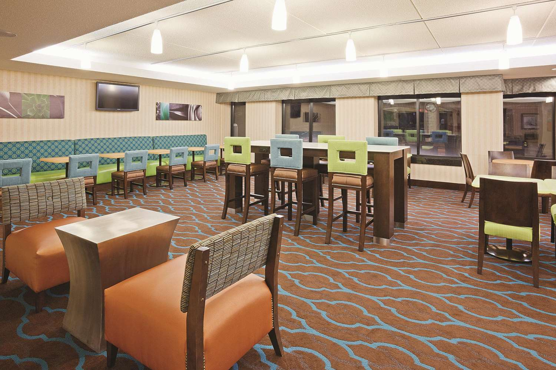 proam - La Quinta Inn & Suites Minnetonka