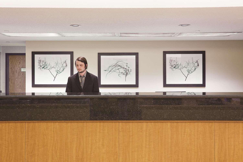 Lobby - La Quinta Inn & Suites Minnetonka