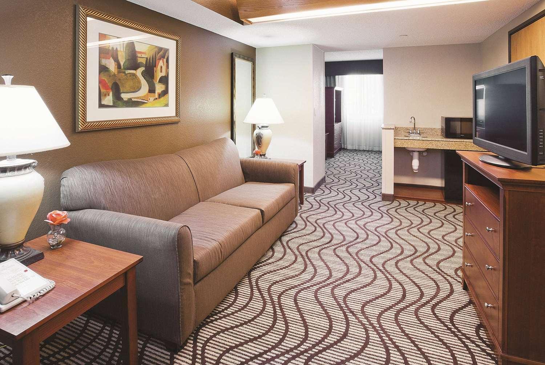 Room - La Quinta Inn & Suites Minnetonka
