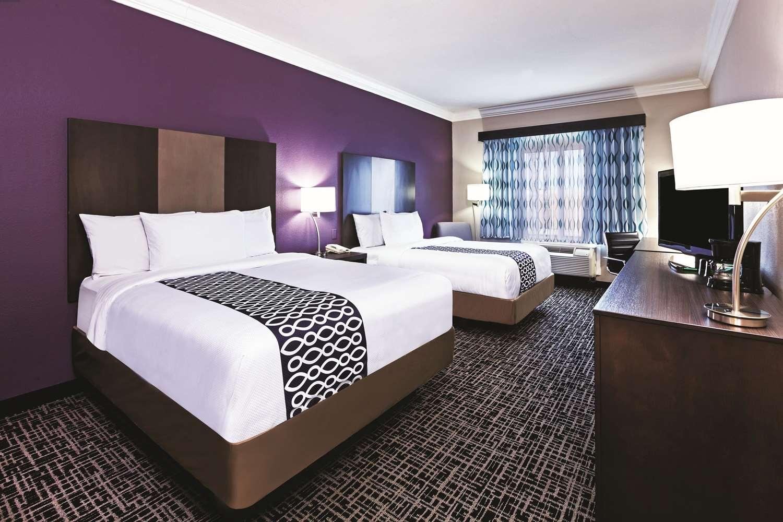 Room - La Quinta Inn & Suites North Padre Island Corpus Christi