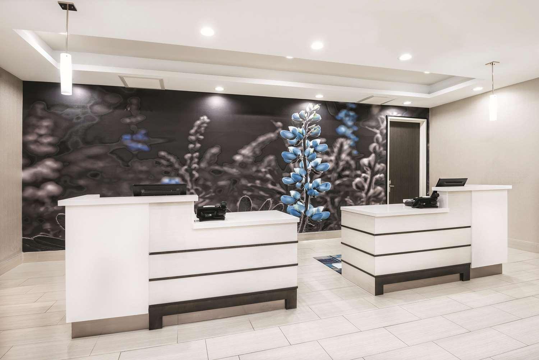 Lobby - La Quinta Inn & Suites Sienna Tower Odessa North