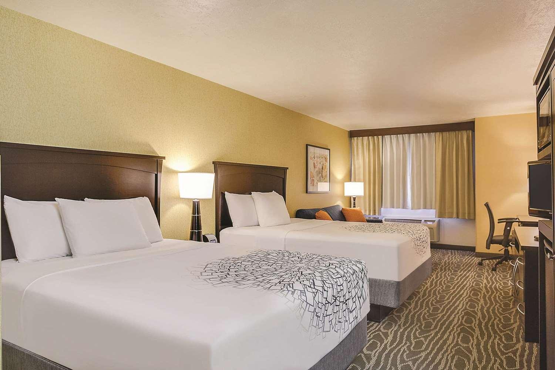Room - La Quinta Inn & Suites Logan