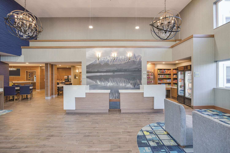 Lobby - La Quinta Inn & Suites Logan