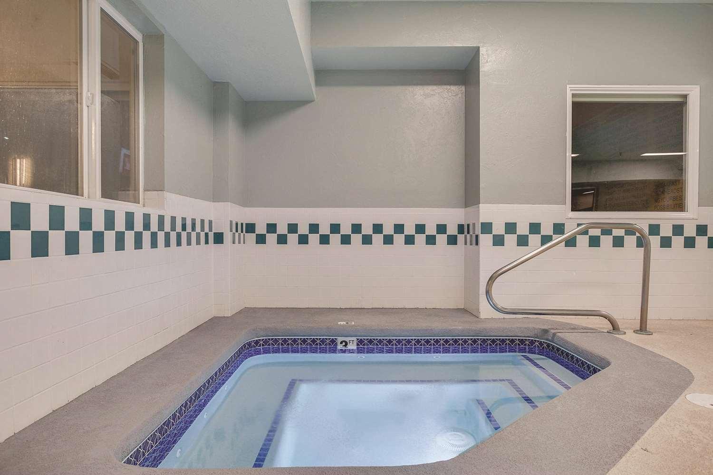 Pool - La Quinta Inn & Suites Logan