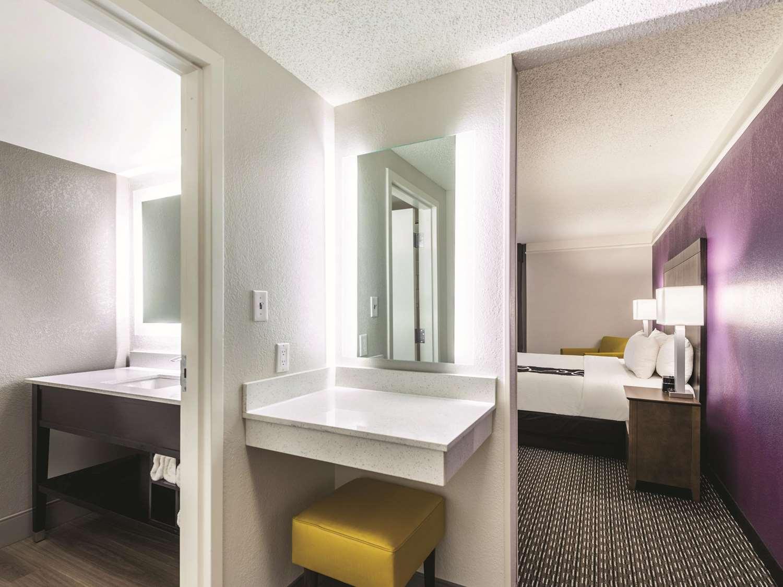 Suite - La Quinta Inn & Suites Sharonville