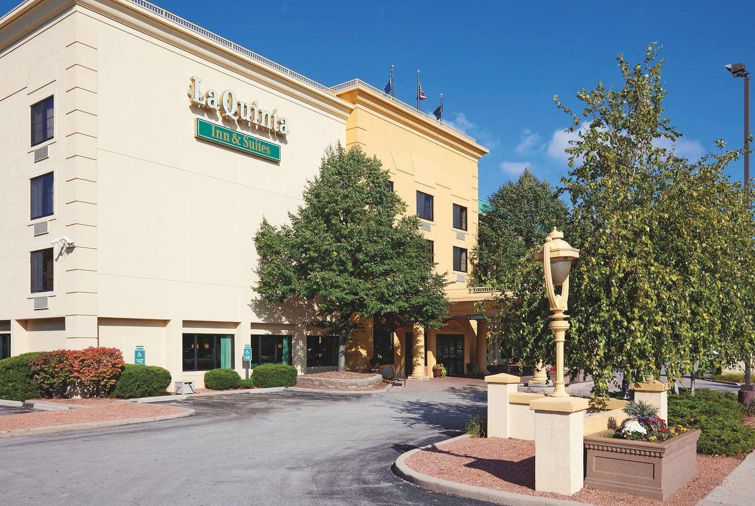 Exterior view - La Quinta Inn & Suites Glendale