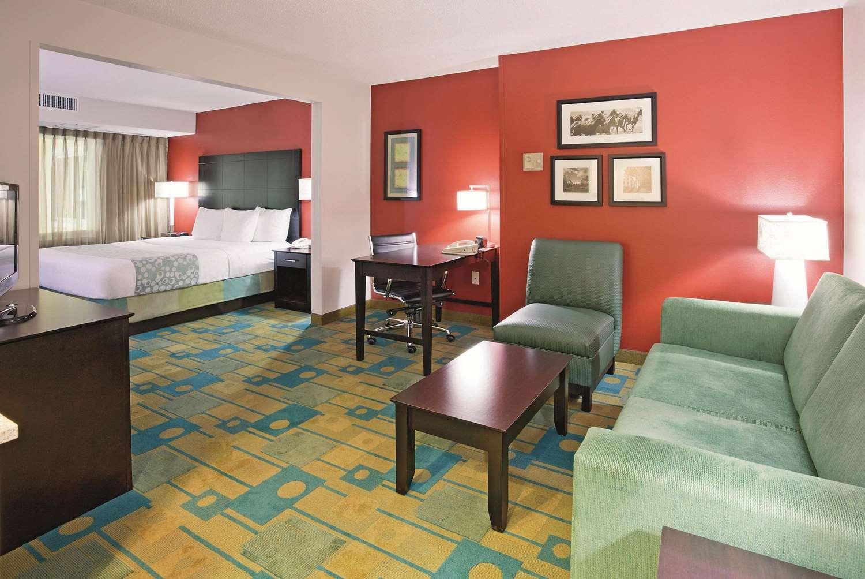 Room - La Quinta Inn & Suites Glendale