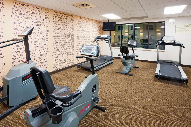 Fitness/ Exercise Room - La Quinta Inn & Suites Glendale