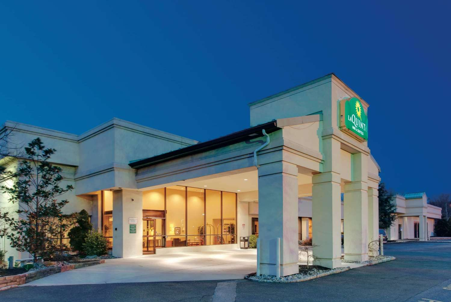Exterior view - La Quinta Inn & Suites Fairfield