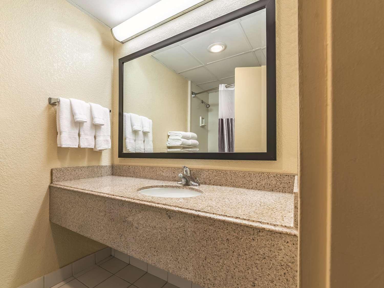 Other - La Quinta Inn & Suites Fairfield