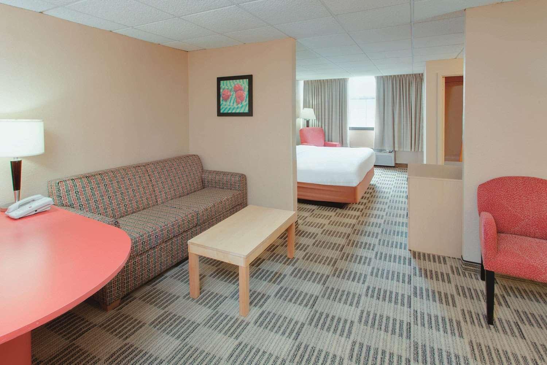 Room - La Quinta Inn & Suites Fairfield