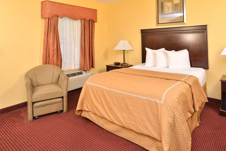 Room - Americas Best Value Inn Winnsboro