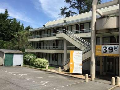 PREMIERE CLASSE SAINT ETIENNE NORD - Villars