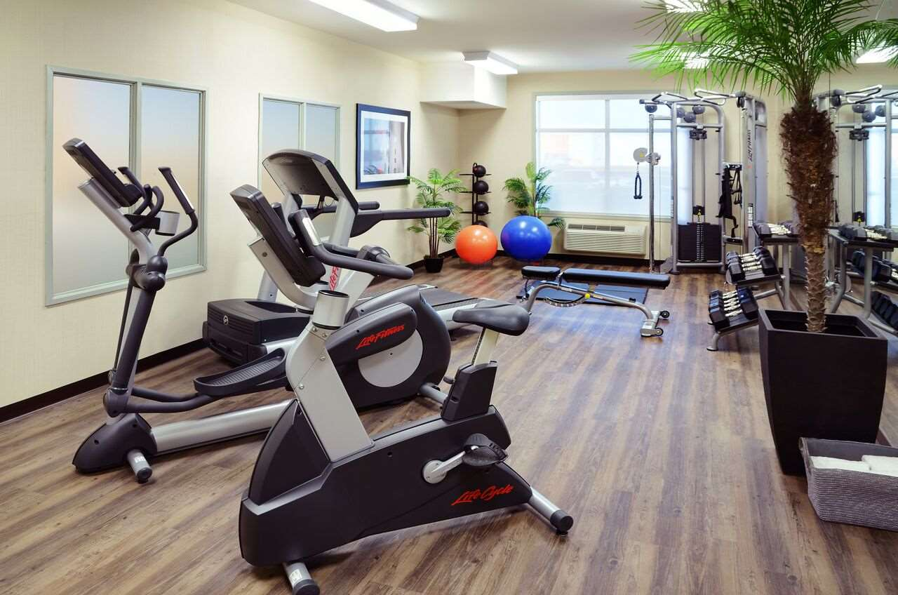 Fitness/ Exercise Room - Pomeroy Inn & Suites Vermilion