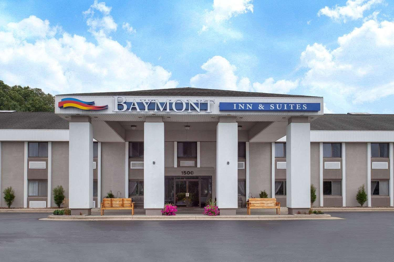 Exterior view - Baymont Inn & Suites Grand Haven