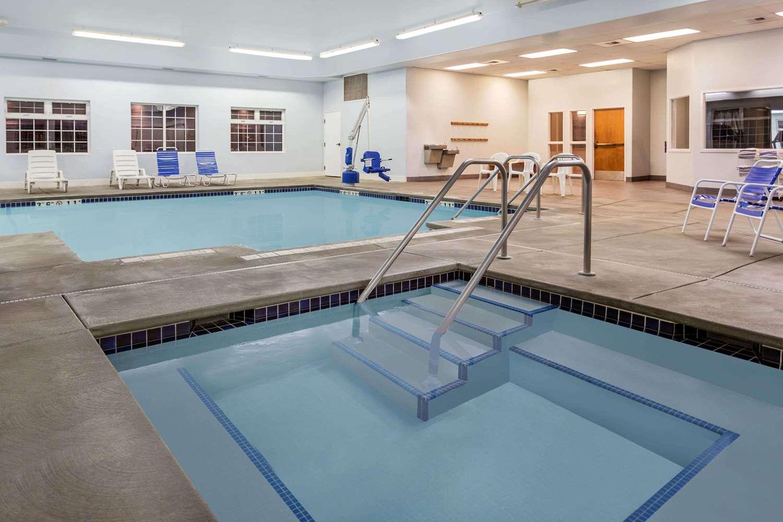 Pool - Baymont Inn & Suites Spokane Valley