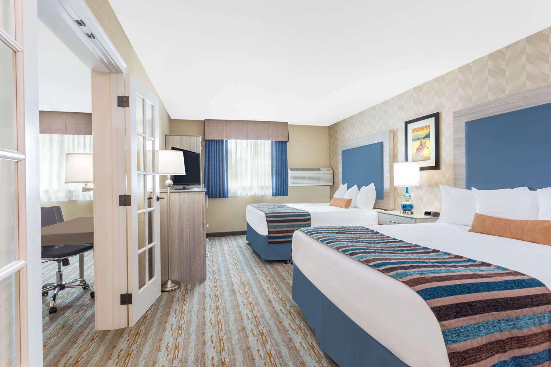 Suite - Baymont Inn & Suites Spokane Valley