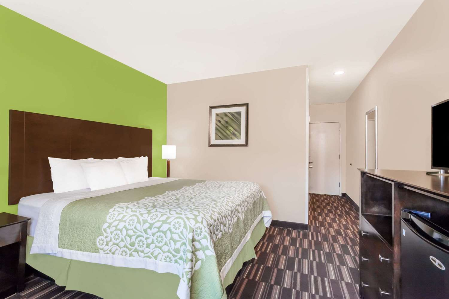 Room - Days Inn & Suites JFK Airport Jamaica Queens