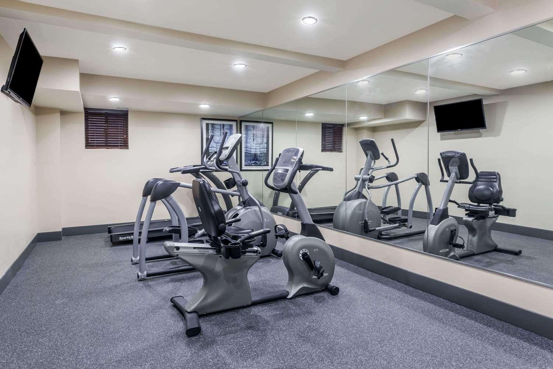 Fitness/ Exercise Room - Days Inn & Suites JFK Airport Jamaica Queens