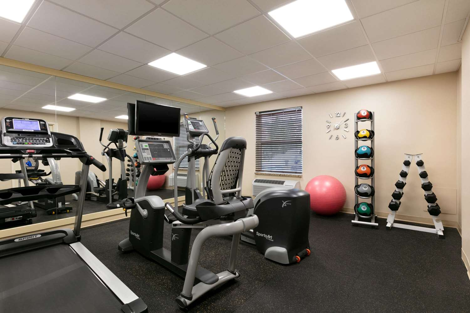 Fitness/ Exercise Room - Days Inn & Suites Sherwood Park