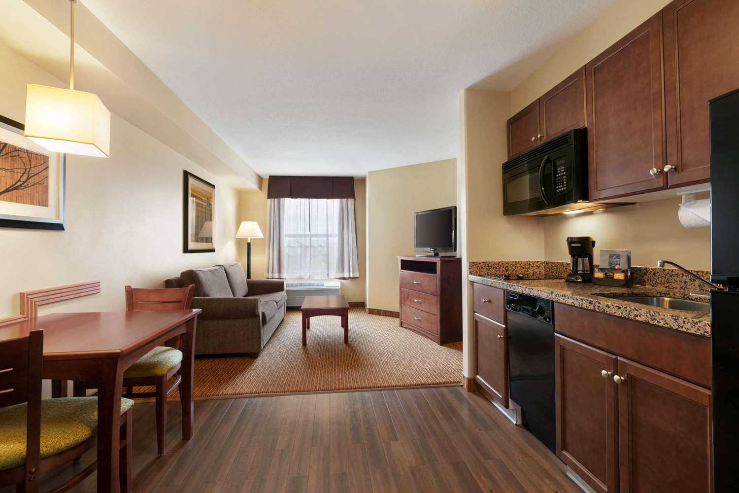 Suite - Days Inn & Suites Sherwood Park