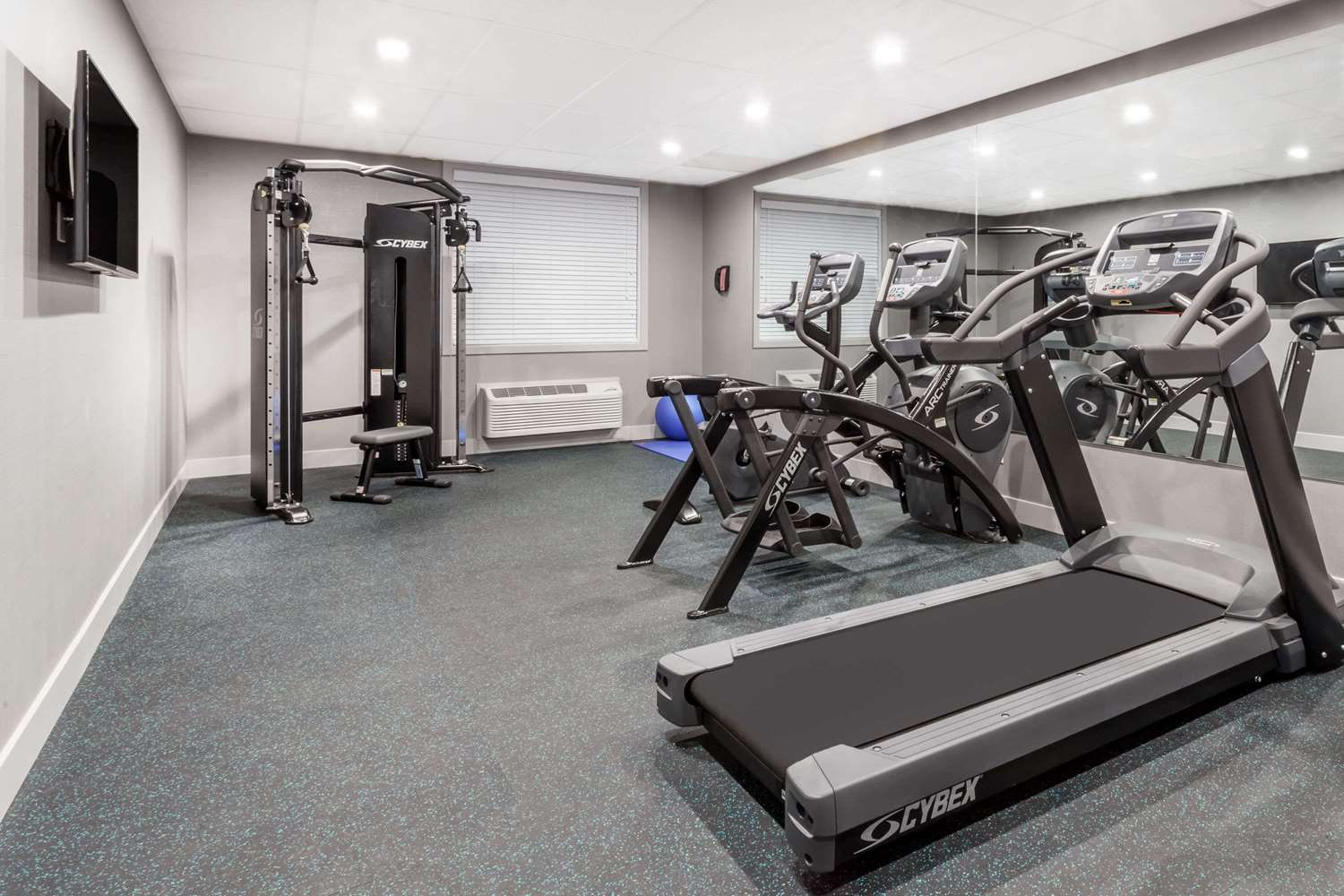 Fitness/ Exercise Room - Wingate by Wyndham Hotel Airdrie