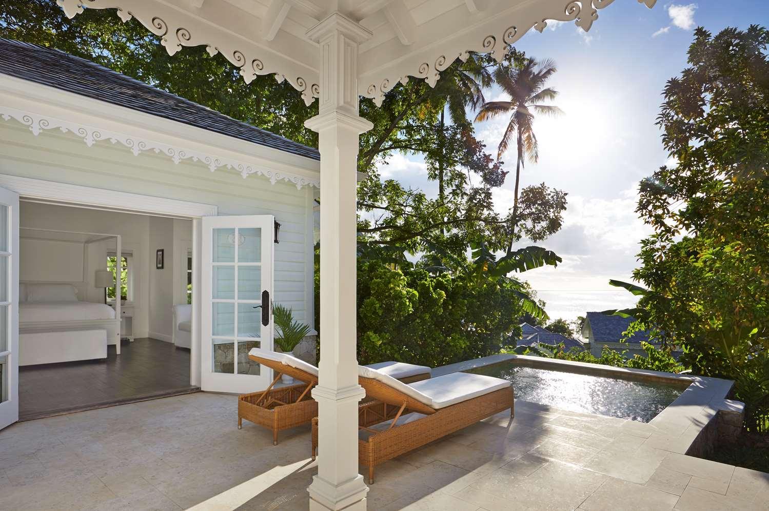 Luxury Cottage Pool