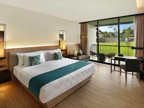 5 star hotel ROYAL TULIP GUNUNG GEULIS
