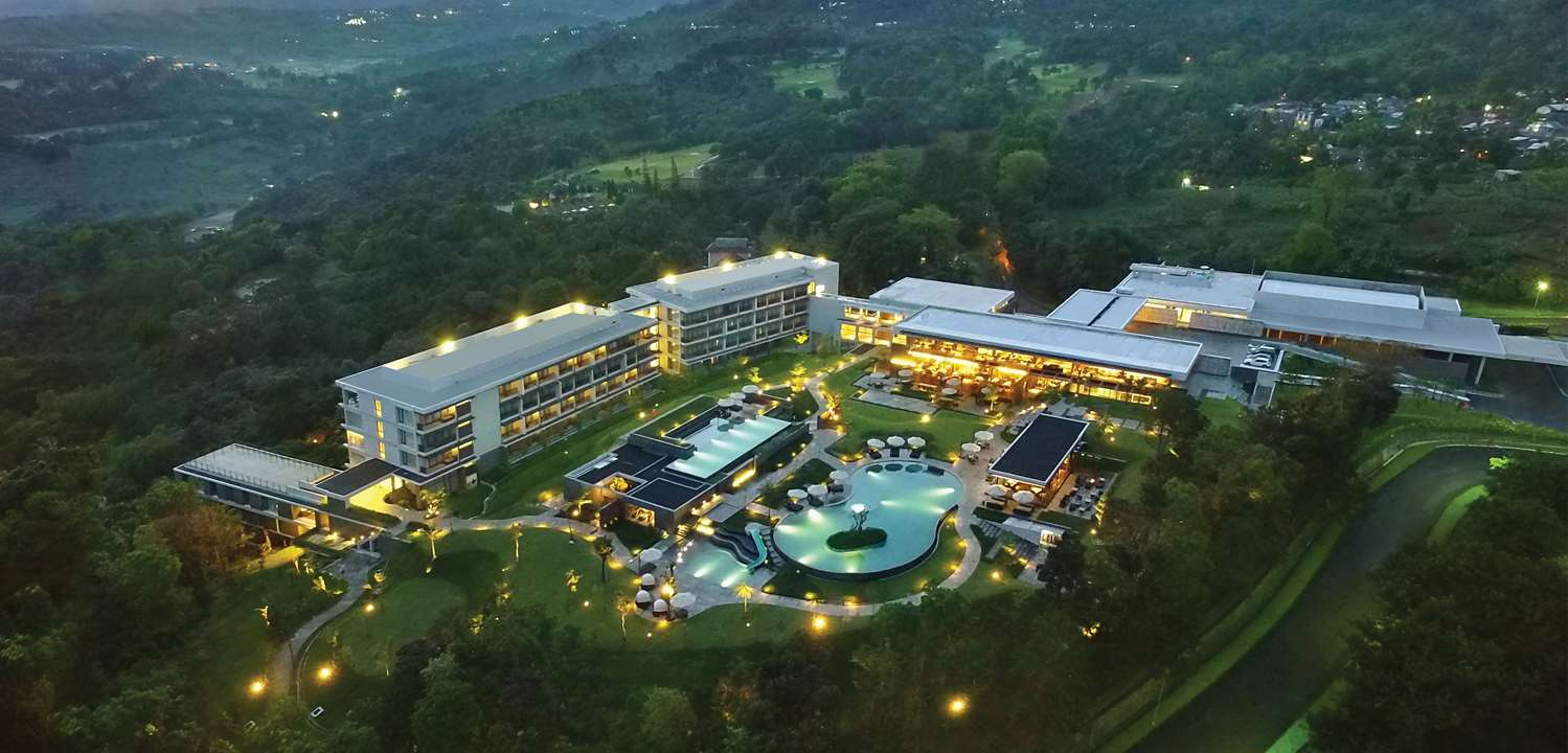 ROYAL TULIP GOLF RESORT GUNUNG GEULIS