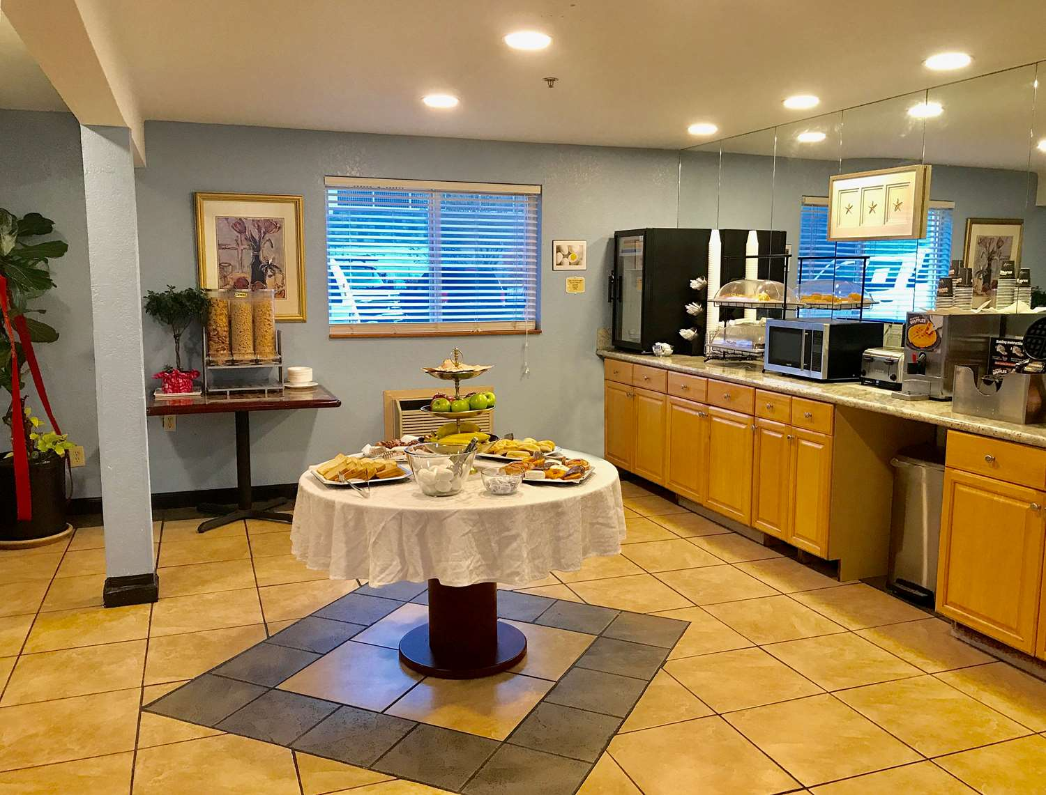 Restaurant - Americas Best Value Inn Lynnwood