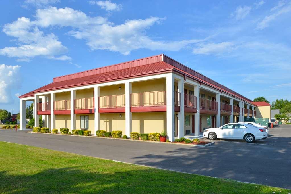 Hotel Americas Best Value Inn Tupelo Barnes Crossing in ...