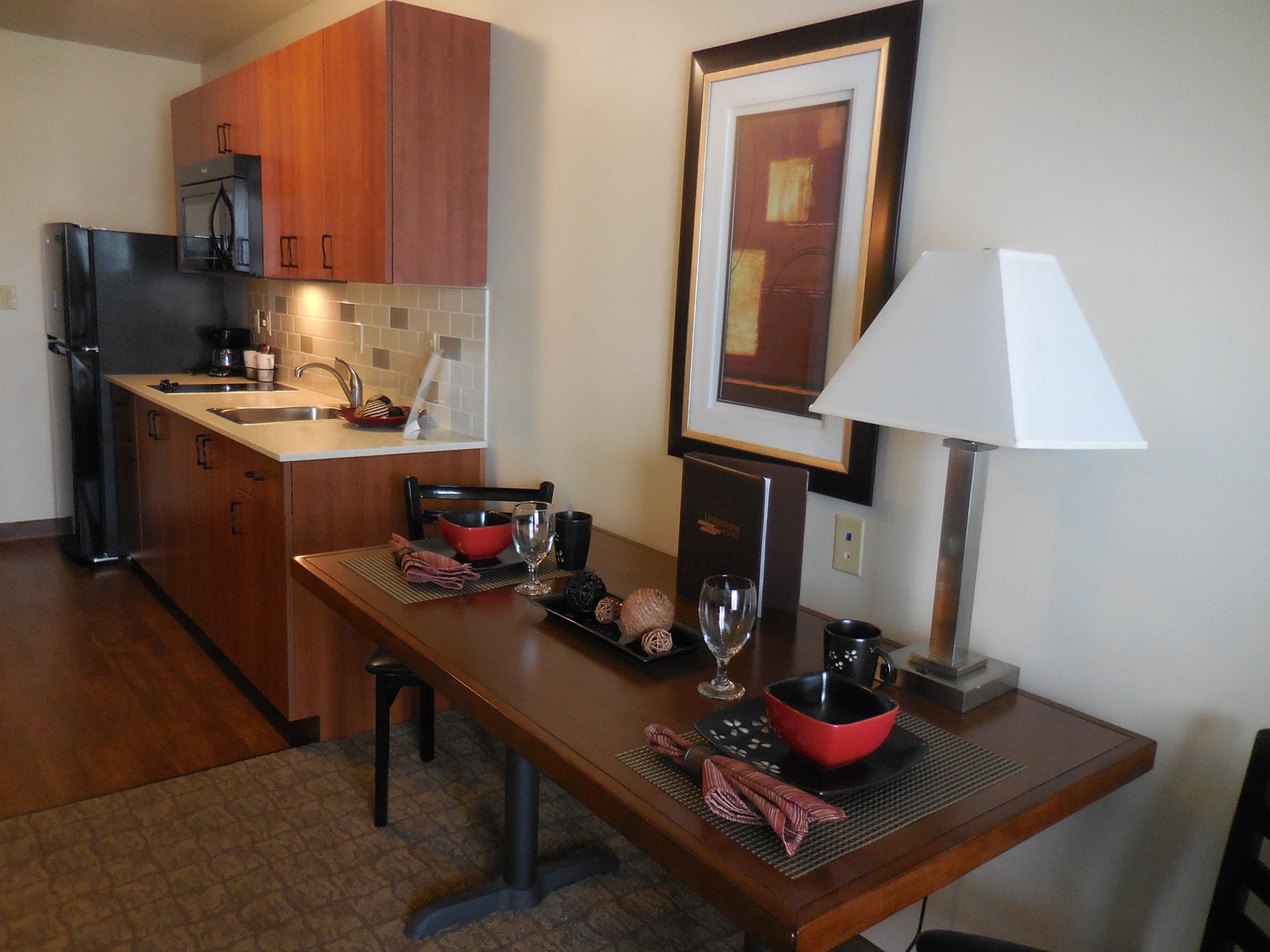 Amenities - Ledgestone Hotel Elko