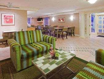 Lobby - Days Inn & Suites Schaumburg